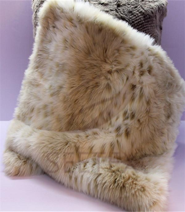 Snow leopard design cushion cover