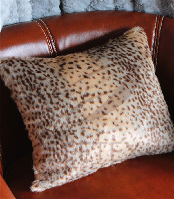 Cheetah skin design faux fur pillow
