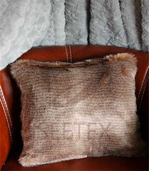 Slub printing faux fur pillow